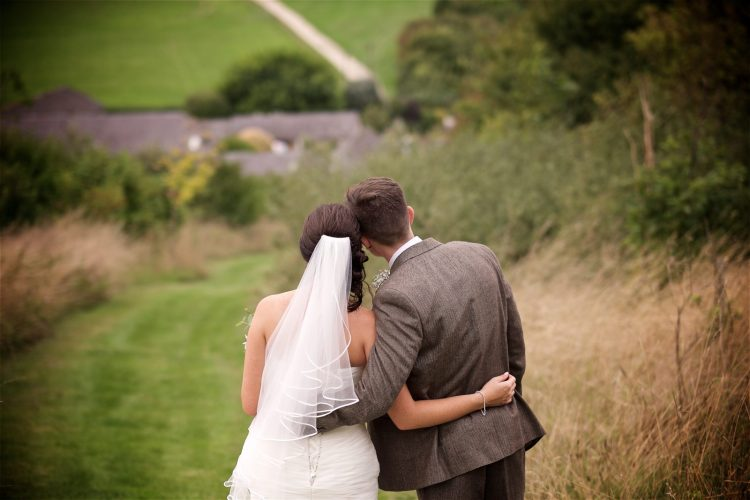 upwaltham-barns-summer-wedding-banda-365