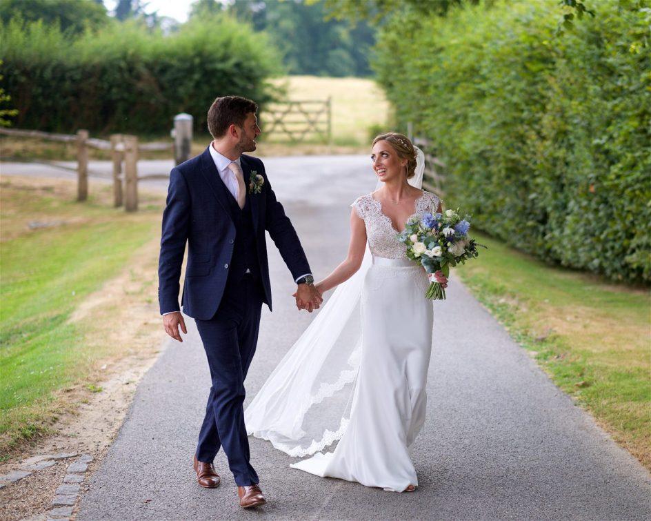 gate-street-barn-july-wedding-photography-nandd-420