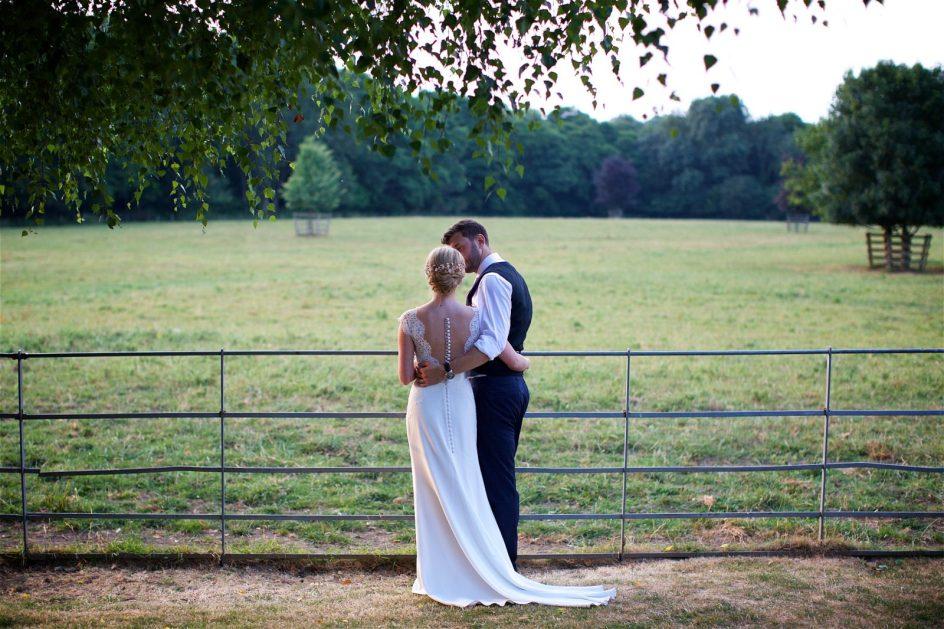 gate-street-barn-july-wedding-photography-nandd-630