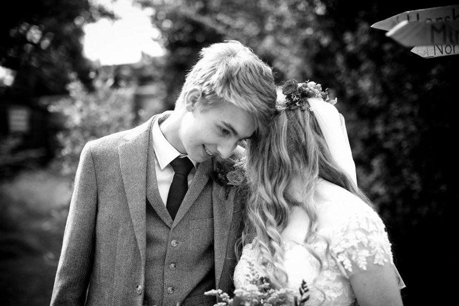 august-wedding-photography-129