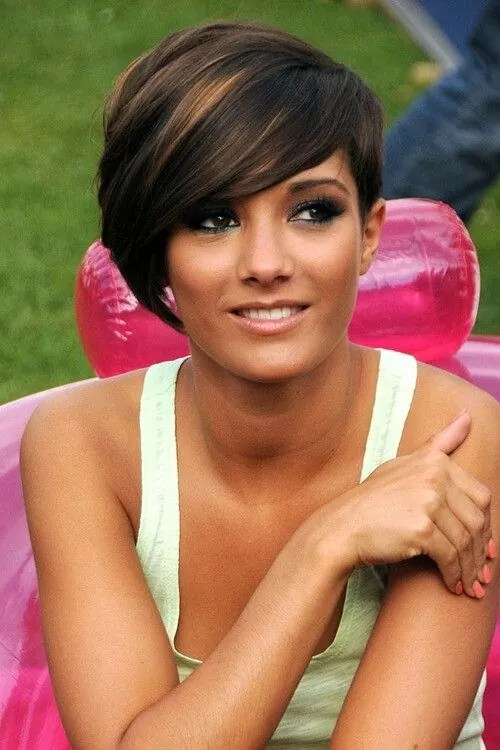 Frankie Sandford Pixie Haircut