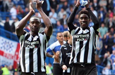 shola-ameobi-with-brother-sammy-ameobi