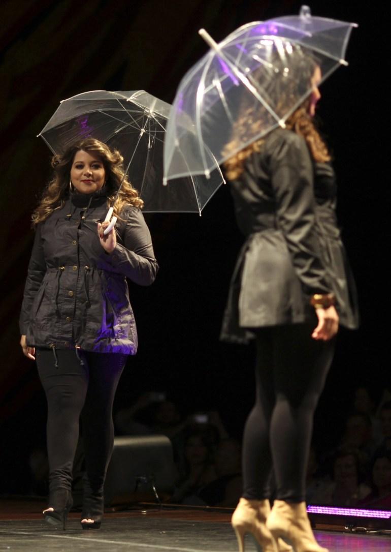 347571-models-walk-the-runway-during-a-presentation-as-part-of-fashion-weeken