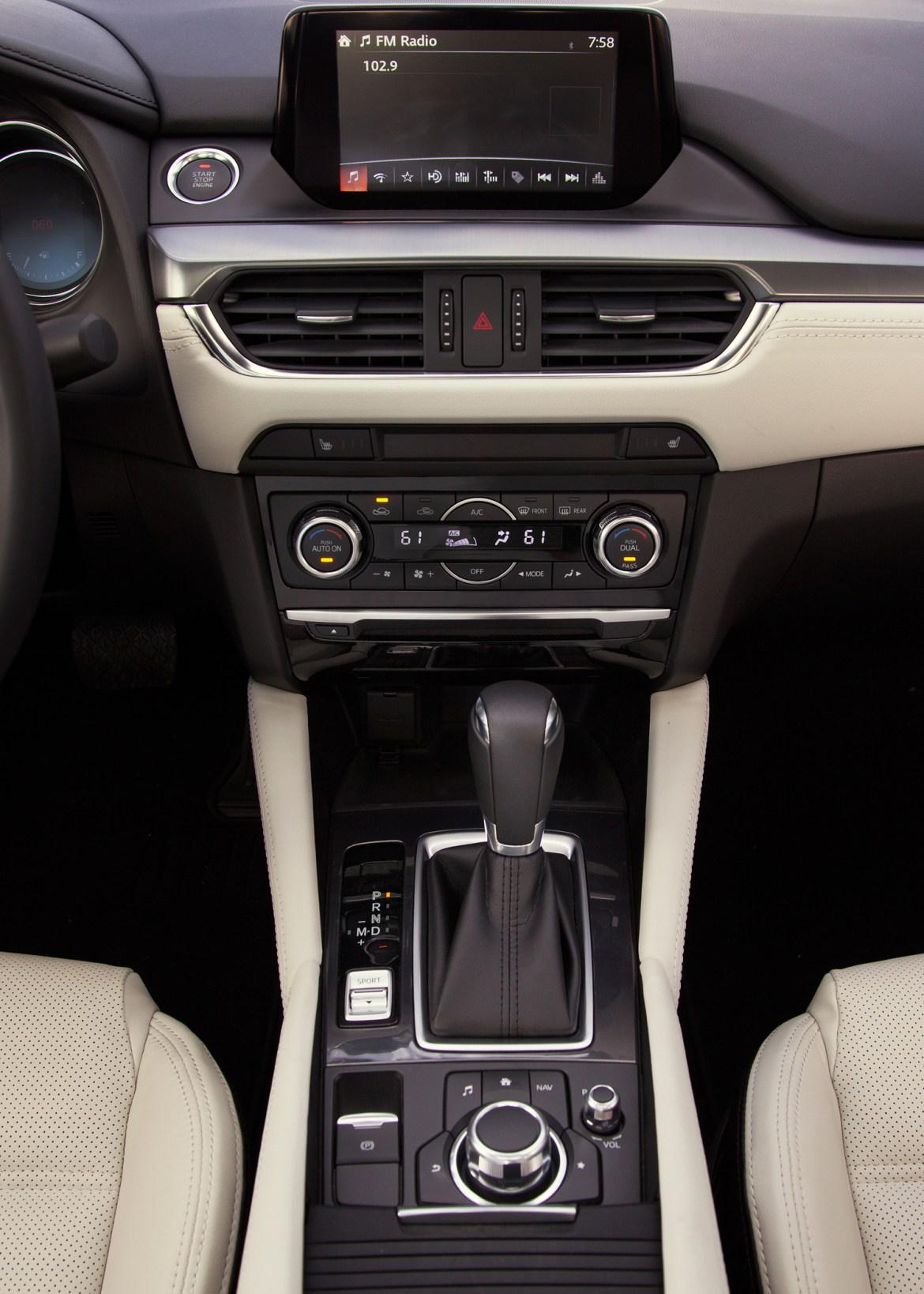 2016-Mazda6-center-stack1