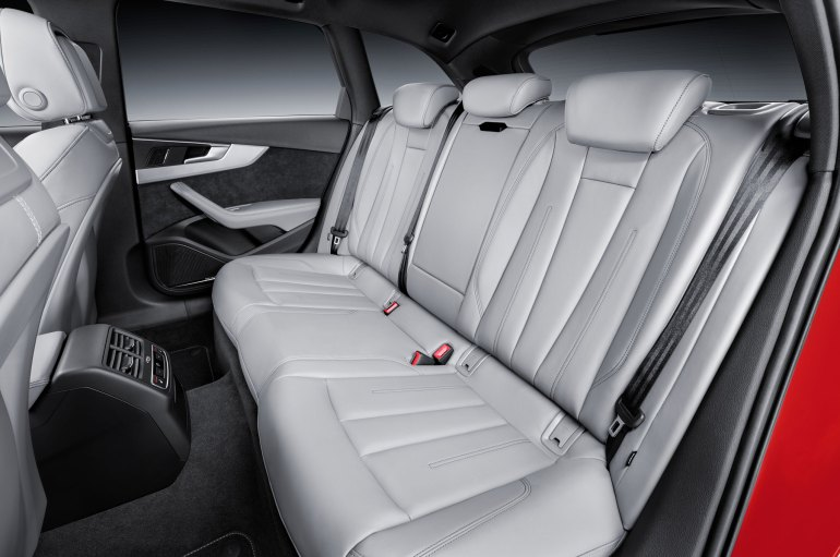 2017-Audi-A4-Avant-3-0-TDI-quattro-rear-seat