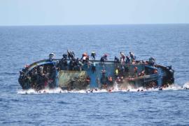 passenger boat capsizing