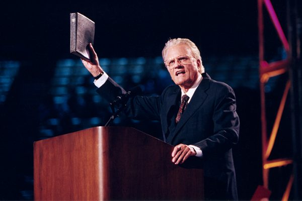 Billy-Graham-preaching