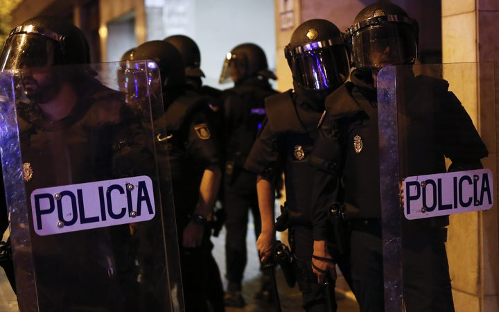 eight_col_police_spain
