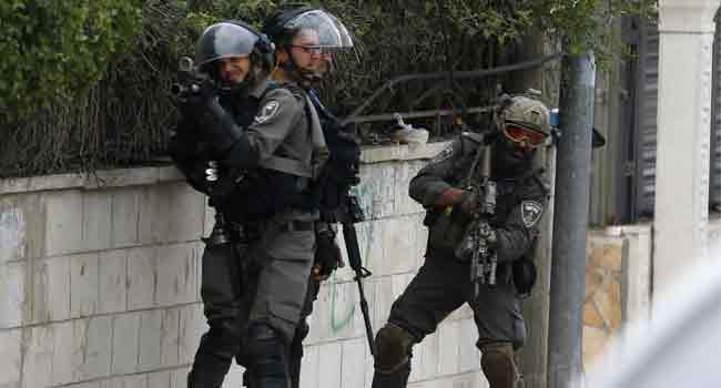 Woman among 7 Palestinians arrested by Israeli soldiers