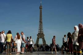thousands-of-people-are-expected-to-watch-an-outdoor-showing-of-the-world-cup-final-at-a-park-near-the-eiffel-tower-in-paris-on-sunday
