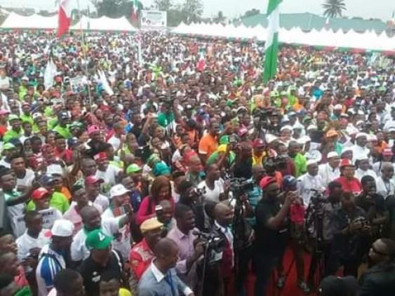Good Omen? Woman gives birth at Delta PDP rally (photo)
