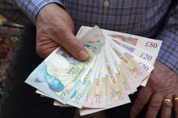 Honest cleaner returns over £300,000 to Police