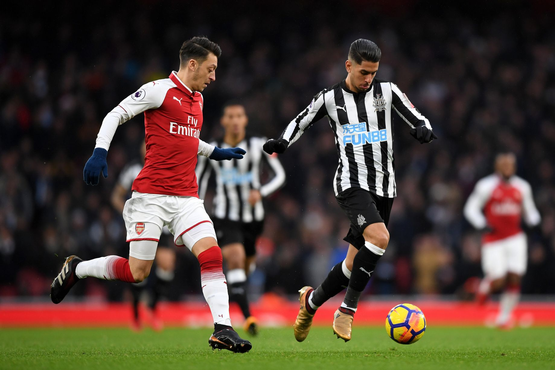 Arsenal climb to third with victory over Newcastle United