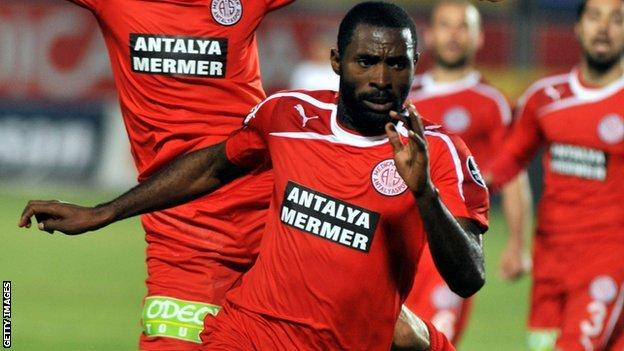 Nigerian striker, Isaac Promise dies at 31