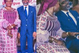 nigerians-women-affairs-minister-kneeling
