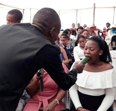 Pastor gives Congregation Blow-Job Tutorial (Photo)