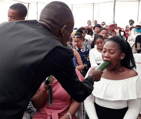 Pastor gives Congregation Blow-Job Tutorial (Photo)