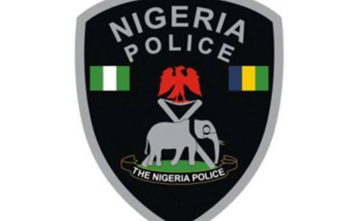 Mob attack police for rescuing robbery suspect