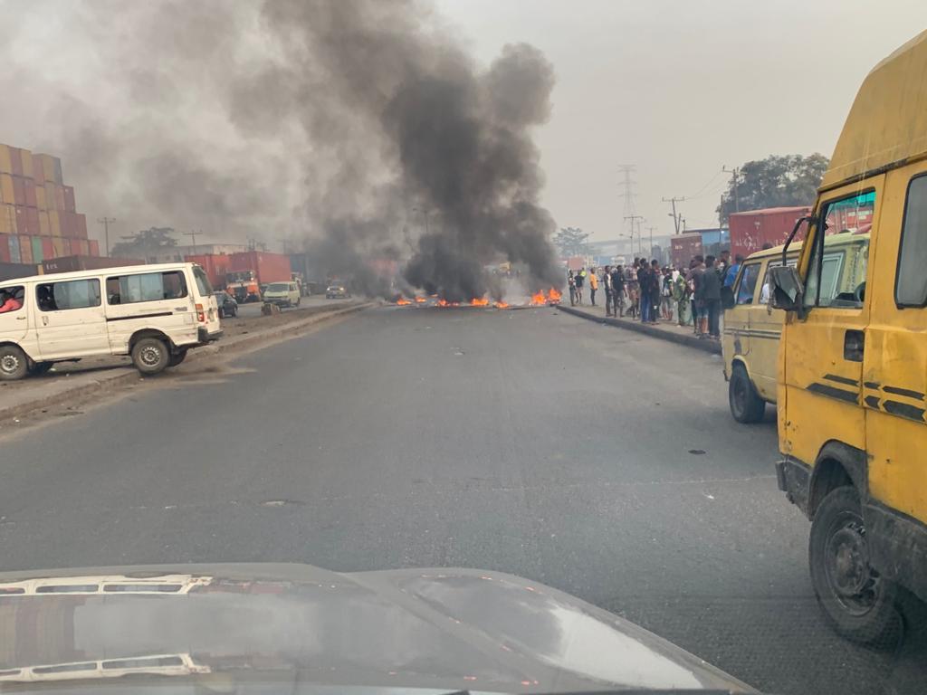 BREAKING: Police, Okada Riders Exchange Bullets in Ijora Olopa (VIDEO)