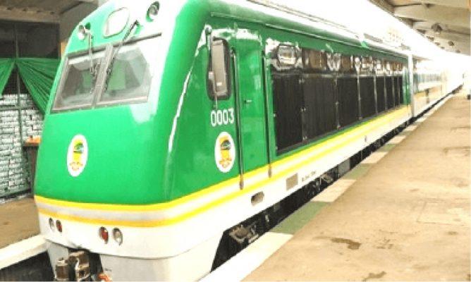 Gruelling-2-hour-train-ride-to-Kaduna-668x400