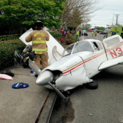 A small plane crashed Tuesday along Mukilteo Speedway. (Mukilteo Police Department)