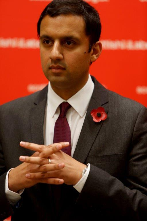 Anas Sarwar, the ex-deputy leader of Scottish Labour, kicks off his political comeback trail with a meal and speech on his vision for the party and country