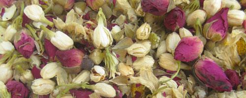 Tisane paisible aux fleurs parfumées – 三 花 茶