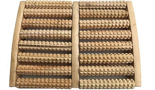 Masseur pour pieds en bois