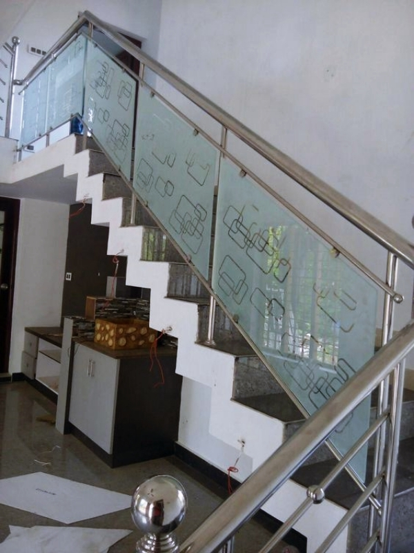 40 Perfect Staircase Railing Designs And Ideas Hercottage   Stairs Railing Designs In Steel With Glass   Balcony   Wooden   Modern   Guardrail   Stainless Steel