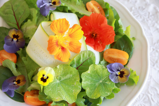 edible flowers in salad