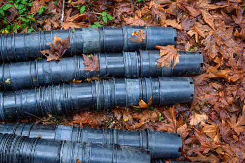 black plastic pots