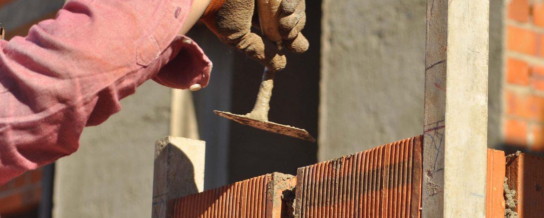 herederos basilio retortillo empresa construccion montehermoso extremadura obra albanileria cemento ladrillo paleta obrero scaled