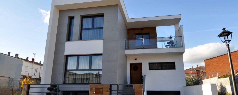 herederos basilio retortillo empresa construccion montehermoso extremadura viviendas promocion autopromocion casa piscina scaled