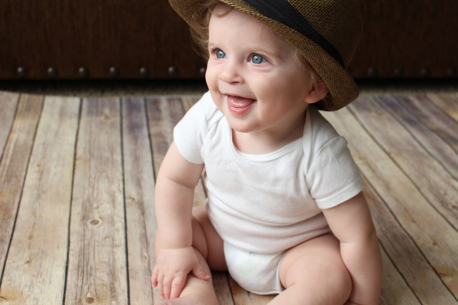 Monthly Baby Photo Inspiration PLUS tips and tricks via Her Hashtag Life
