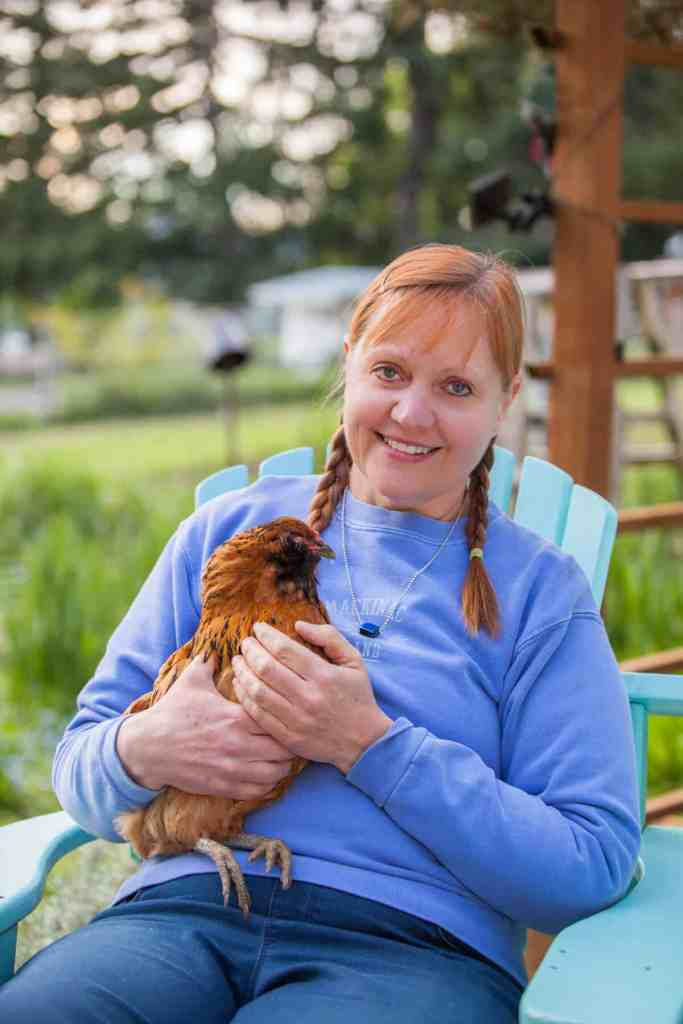 Essential Oils For Chickens and Other Animals ft. Kerrie Hubbard of City Girl Farming 1