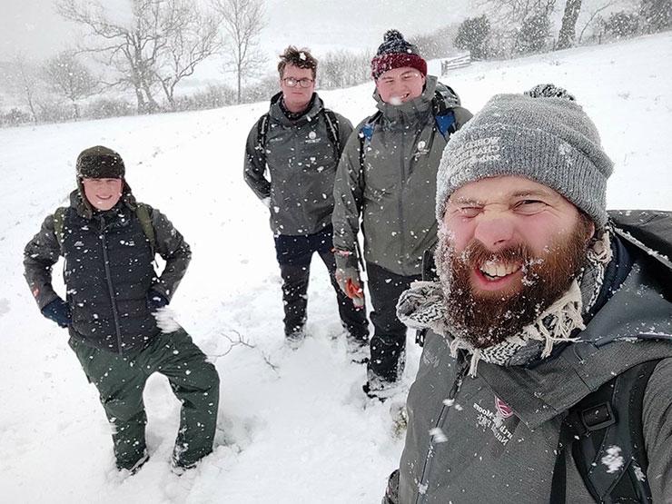 L'équipe North York Moors Trust au travail dans la neige