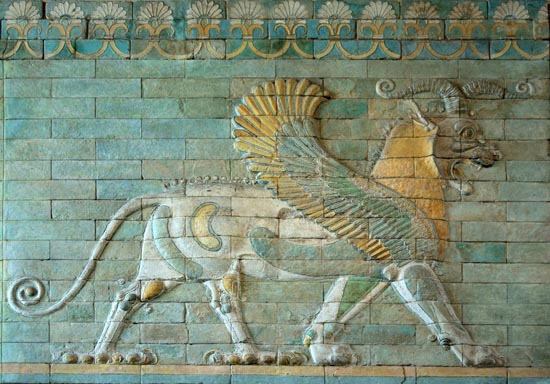 Frieze of griffon assembled from glazed / enamelled decorative brick from the Apadana.