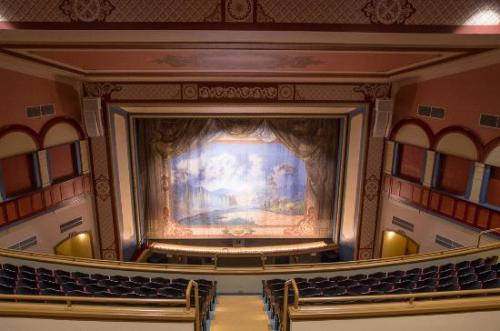 Best Historic Theatres in Ohio - The People's Bank Theater