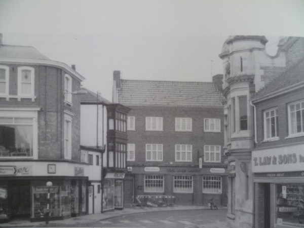 AOS P 1290 Hall Place looking into New Road. Laws Butchers