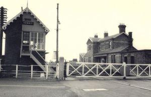 AOS P 1502 cowbit railway box station