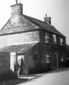 AOS P 1911  the red lion northgate pinchbeck 1950s