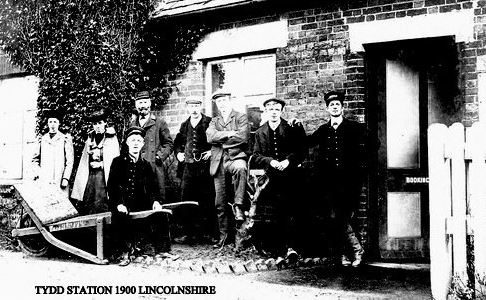 Station Staff, Tydd 1900