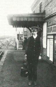 AOS P 2901 lamp boy at weston station