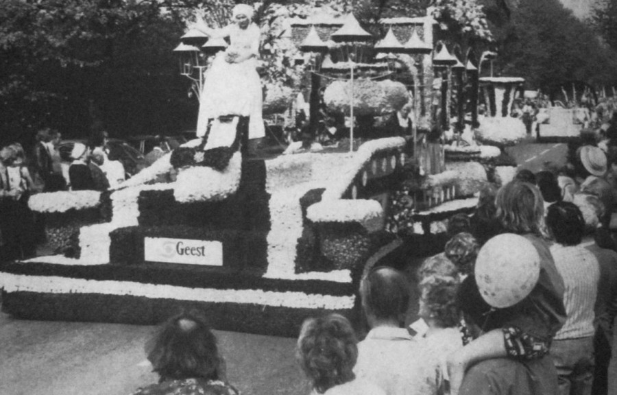 Geest Float for the 1976 Spalding Flower Parade