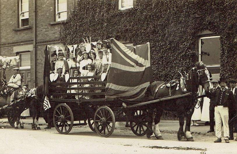A decorated horse and cart at Sutton Bridge 1911