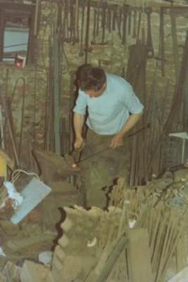 Geoff Dodd working at Chain Bridge Forge