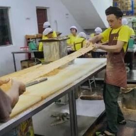 handmade-gong-tang-layer-stretching-process