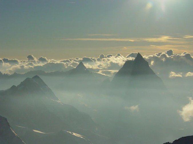 Morning_Light_on_Matterhorn__seen_from_Capanna_Reghina_Margherita_2