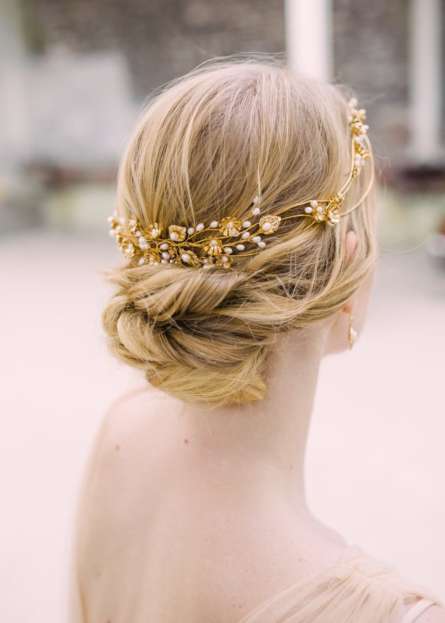 bridal hair accessories: accessorise your wedding hairstyle