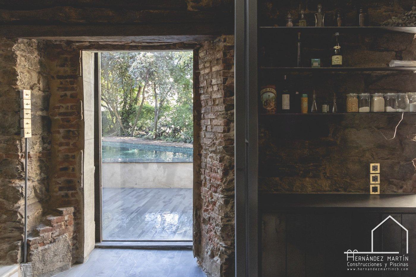 piscinas de diseño rustico y paisajista piedra pizarra Zamora Salamanca Valladolid Hernandez Martin